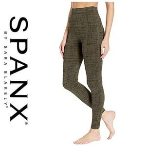 SPANX Look At Me Now Seamless Olive Crosshatch Med